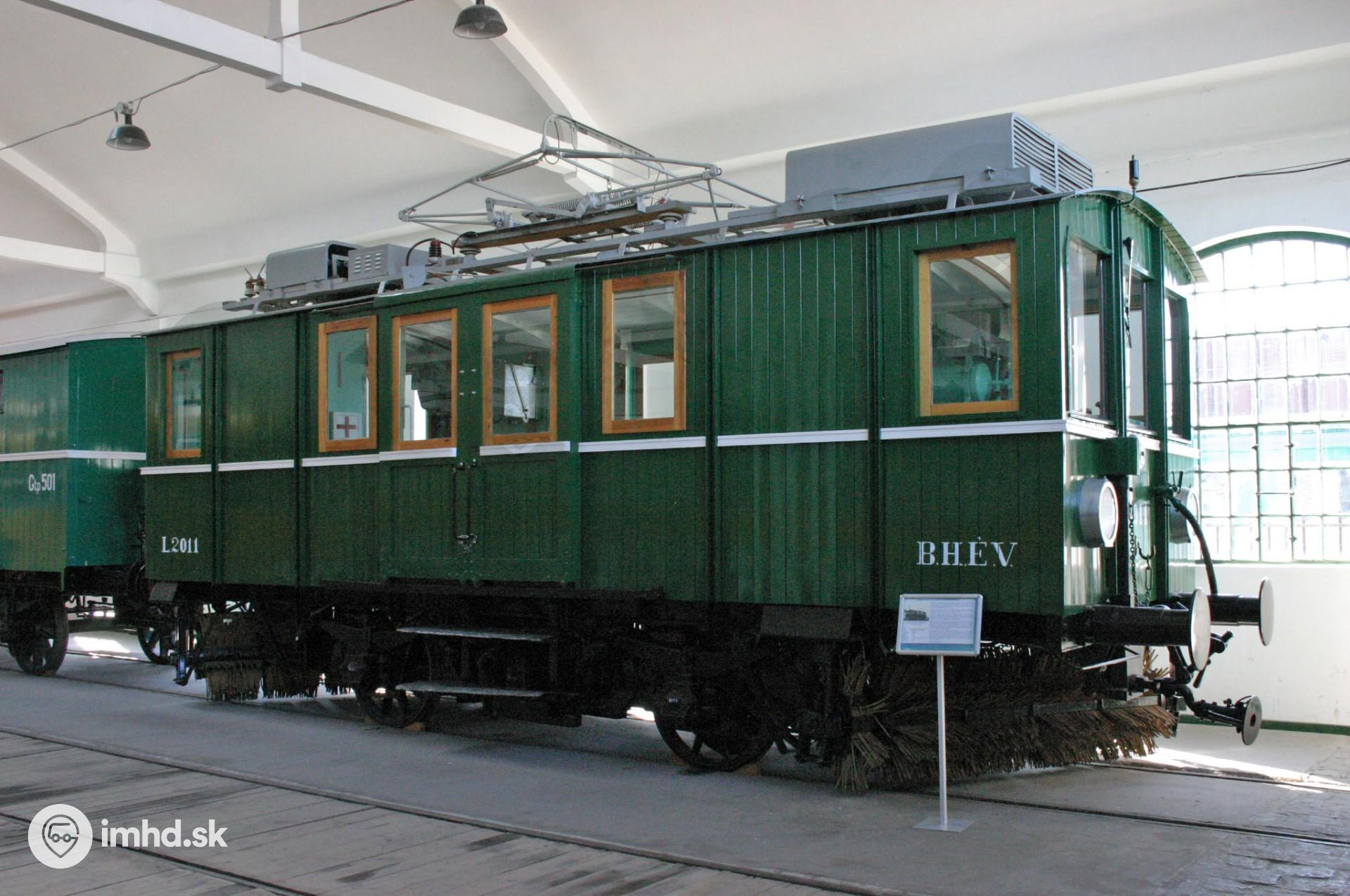 L2011, Dózsa György út, Múzeum MHD BKV • imhd sk Trnava